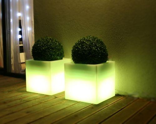 Záhradné svietidlo LED kvetináč CUADRO
